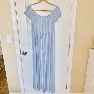 Aeropostale Dresses - Aeropostale Smocked Maxi Dress